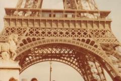 S matkou a otcem, 1975