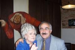 s herečkou Vlastou Chramostovou