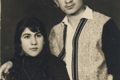 Se svou sestrou Gulay,Kurdistan,1965