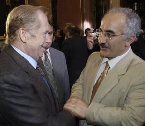 Yekta Uzunoglu with Václavem Havlem