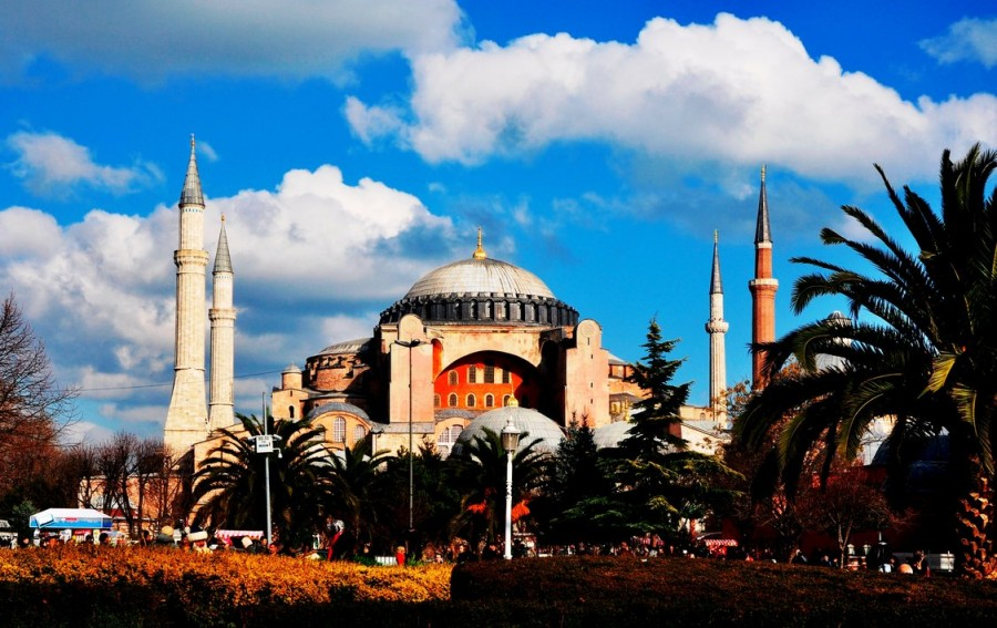 Ayasofia,křesťanský chrám , který tehdy Osmanové násilně přestavěli na mešitu