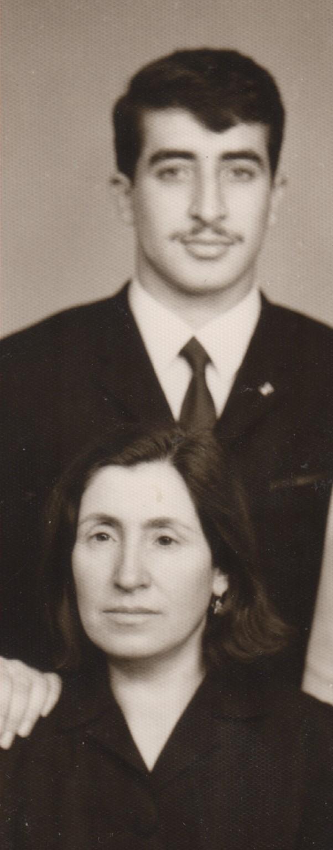 rahmetli ağabeyim Erdinç Uzunoğlu annem Zilhan Uzunoğlu yle - 1968